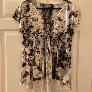 NWOT UNITY WOELD WEAR blouse w/butterflies